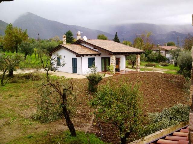Casa di 120 mq in alife ce case in legno edilegno for Casa prefabbricata 40 mq