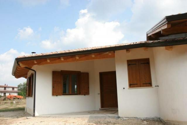 Casa in legno baia e latina ce case in legno edilegno for Case in bioedilizia prezzi
