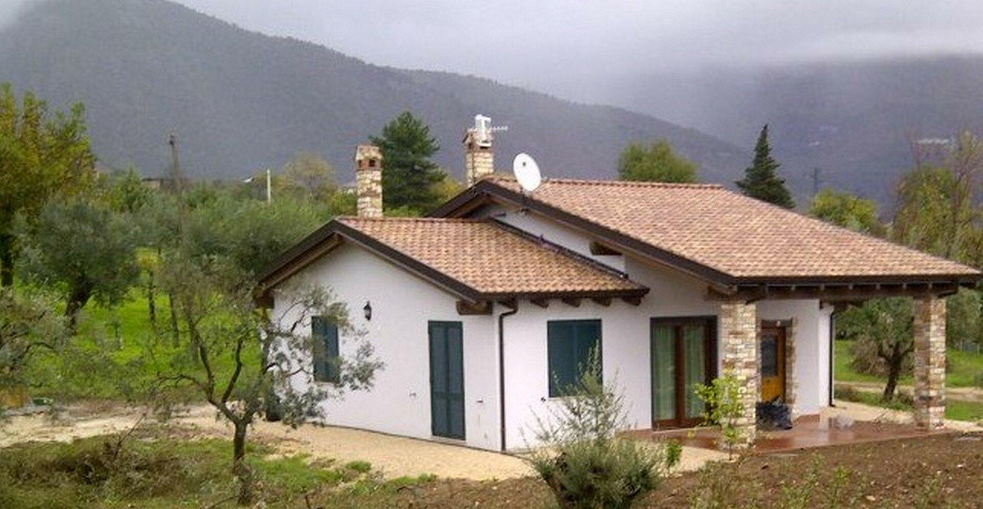 Villetta familiare 120 mq alife ce case in legno for Casa in legno 25 mq